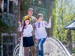Михайло, Олександра з донькою Катериною.