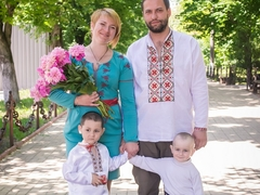 Тарас з Наталею та синочками Єгором та Данилом
